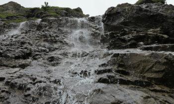 Wasserfall auf der Alpenüberquerung auf dem E5