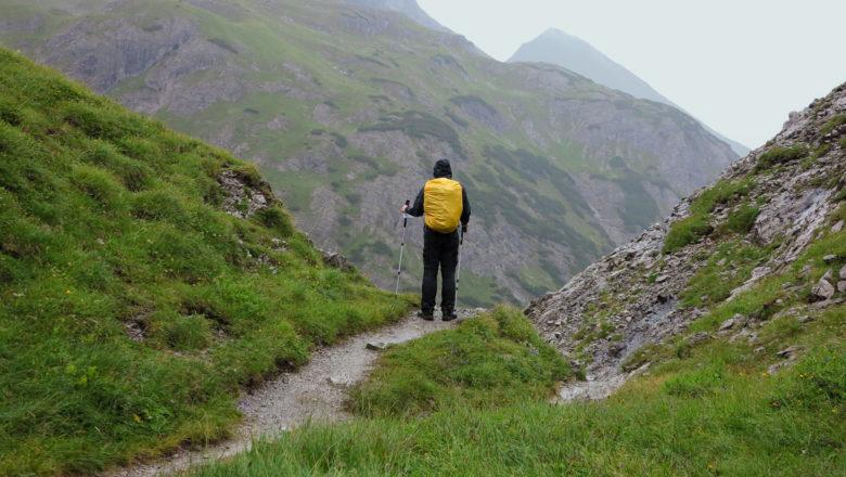 Alpenüberquerung: Am Mädelejoch