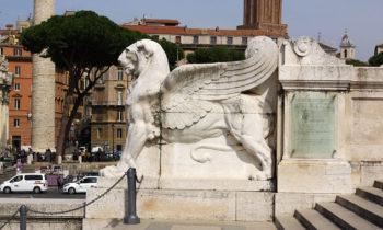 Am Monumento Nazionale a Vittorio Emanuele II