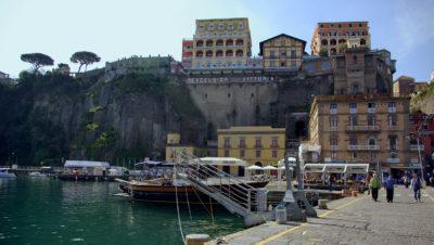Hafen von Sorrento