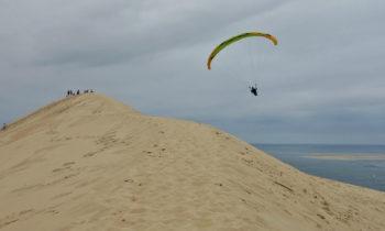 Gleitschirmflieger auf der Dune du Pilat
