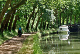 Radreise vom Atlantik zum Mittelmeer am Canal des Deux Mers