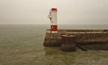 Leuchtturm im Hafen von Royan