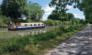 Hausboot auf dem Garonne-Seitenkanal