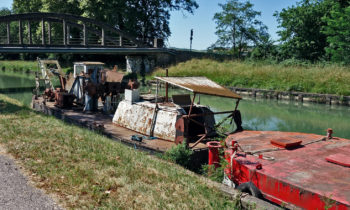 Bootswracks im Garonne-Seitenkanal