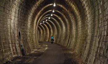 Eisenbahntunnel am Garonne-Seitenkanal