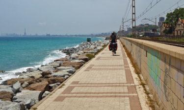 Radweg auf der Promenade vor Barcelona