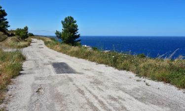 Radweg bei der Pyrenäenüberquerung am Mittelmeer