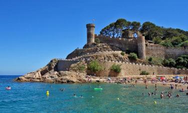 Stadtmauer am Strand von Tossa de Mar