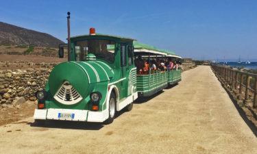 Touristenzug auf Asinara
