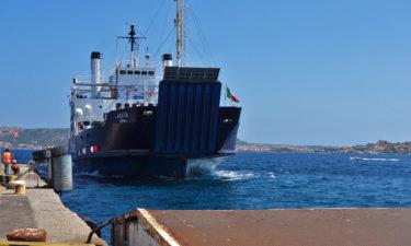 Ankunft der Fähre in La Maddalena