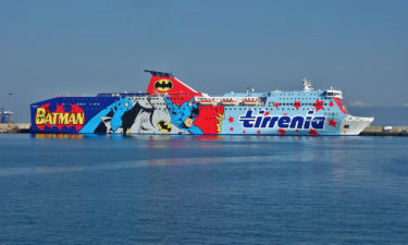 Bat Boat vor Sardinien: Batman Fähre in Porto Torres