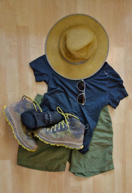 Packliste Hüttenwanderung: Kleidung