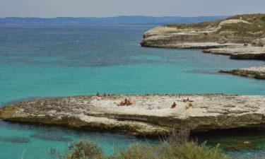 Badebucht an der Nordküste von Sardinien