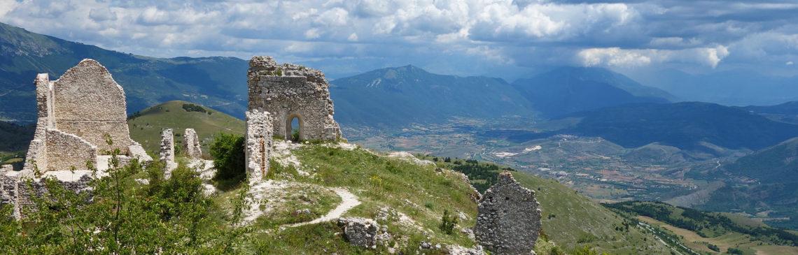 Aussicht vom Rocca Calascio in den Abruzzen