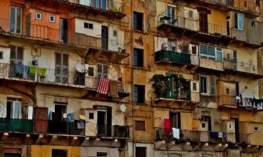 Häuserfront in Bastia