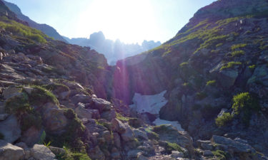 Aufstieg zum Brèche de Capitello Pass nahe dem Refuge de Manganu