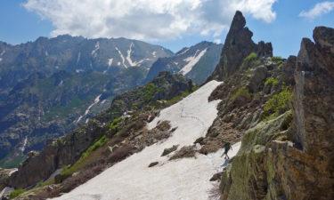 Schneefeld im nördlichen Teil des GR 20