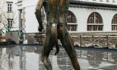 Statue an der Metzgerbrücke in Ljubljana