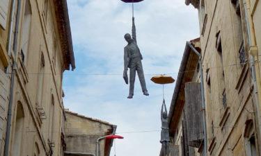 Skulpturen in der Innenstadt von Arles