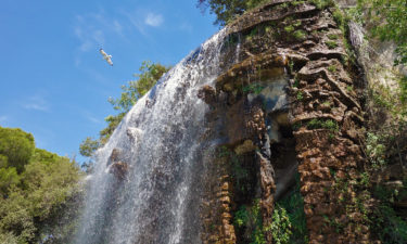 Wasserfall auf dem Colline du Château in Nizza