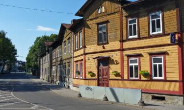 Typisch estnische Holzhäuser in Tallinn
