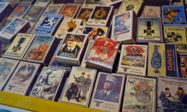 Schräger Weltkriegs-Trash: Streichhölzer in der Markthalle von Tallinn