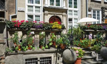 Typische Terrassen in der Innenstadt von Danzig