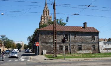 Holzhaus und Akademie der Wissenschaften in Riga