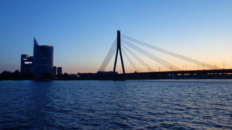 Vanšu-Brücke über die Düna in Riga